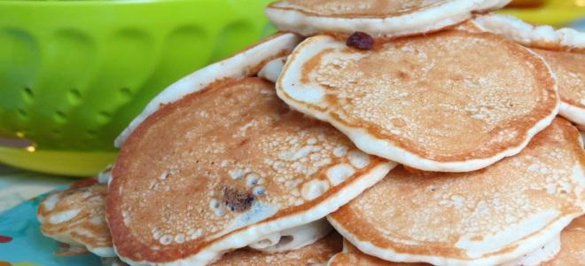 Fritters Pada Serum Megah Dengan Telur Dan Tanpa Telur